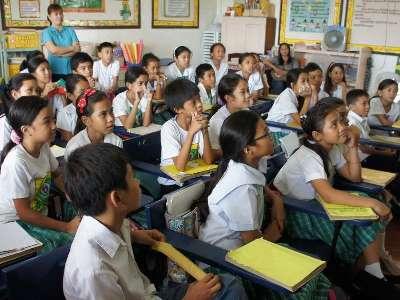 公立小学校のイメージ