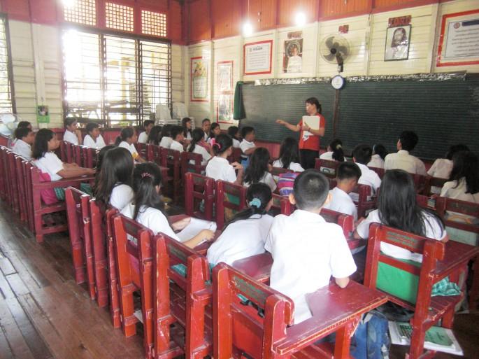 フィリピンの小学校のイメージ