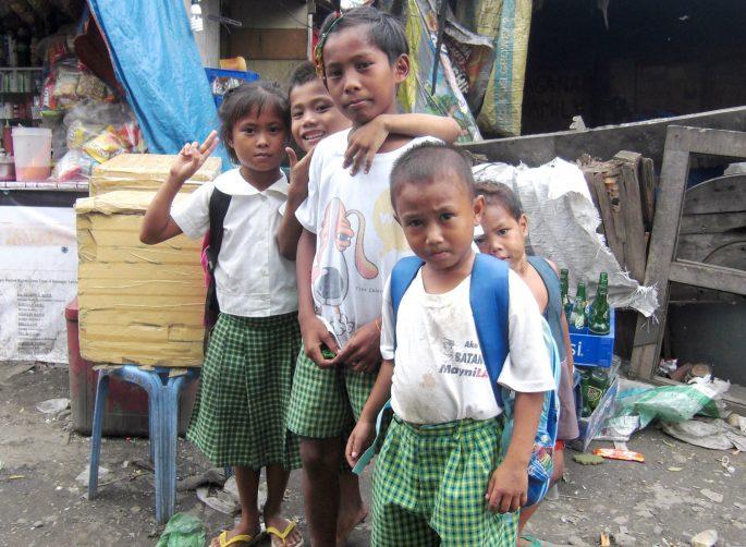 フィリピンの小学生