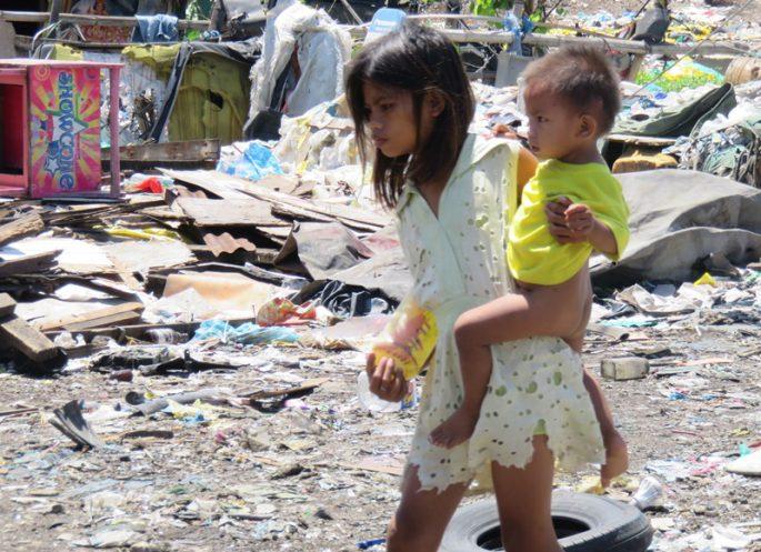 ゴミ山の子ども