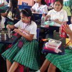 フィリピンの学校制服