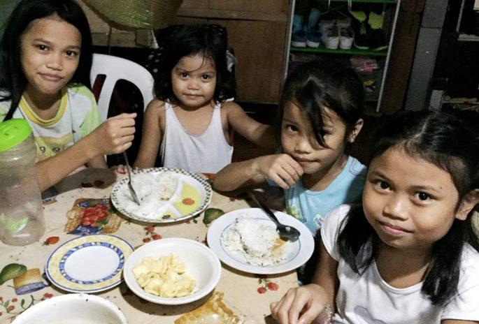 フィリピンの貧困の食事