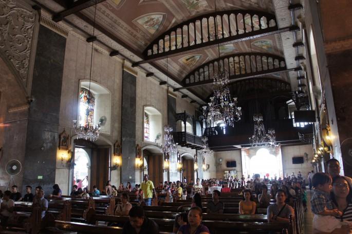 サントニーニョ教会の内観