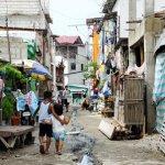 セブのスラム街で行われている支援活動は食糧の配給