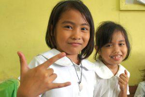 フィリピンの小学校の子ども