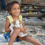 過酷な生活を強いられるフィリピンのゴミ山の子どもたち
