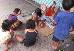 フィリピンのストリートチルドレン