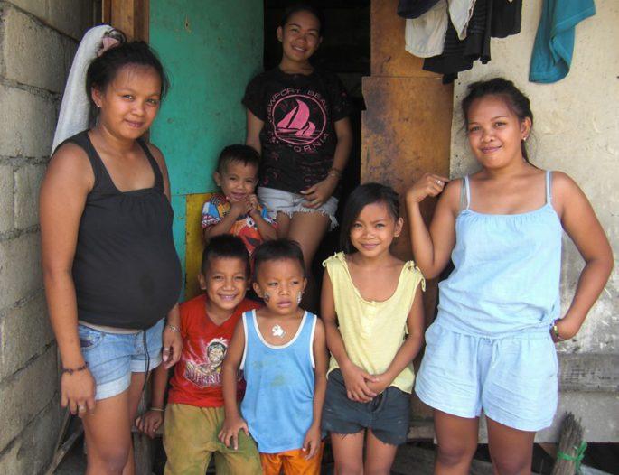 スラム街の家族