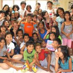 フィリピンの貧困の子どもは何故きれいな服を着ているのか