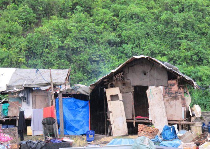 ゴミ山の家