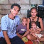 フィリピンの貧困家庭の深刻な夫婦問題