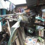 フィリピンの都市スラムの住人が恐れる火災の危険と原因