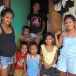 病気でも病院に行けないフィリピンの貧困家庭の理由