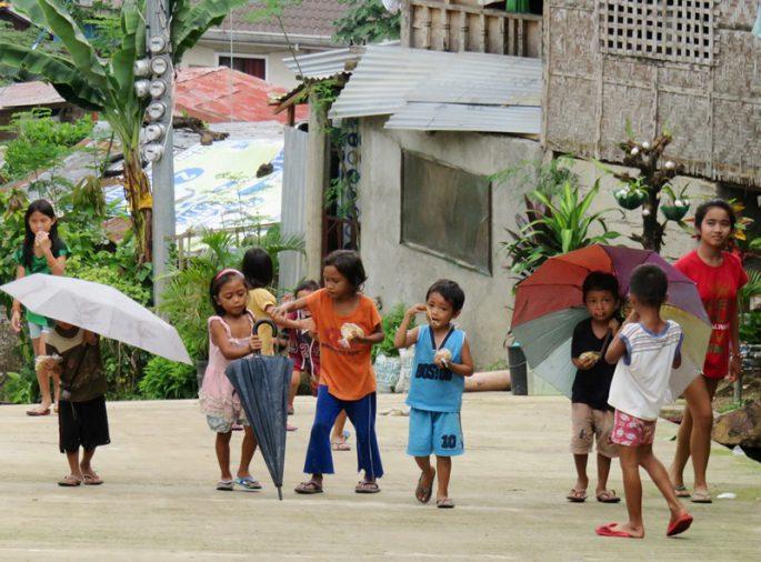 セブ島の子ども